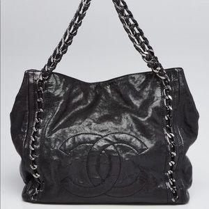 Chanel CC modern chain east west caviar tote bag